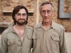 Что за фильм: заключённые сбегают из тюрьмы с помощью деревянного ключа?